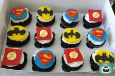 cupcakes superheros samuel logo